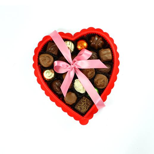 Corazón rojo con chocolates