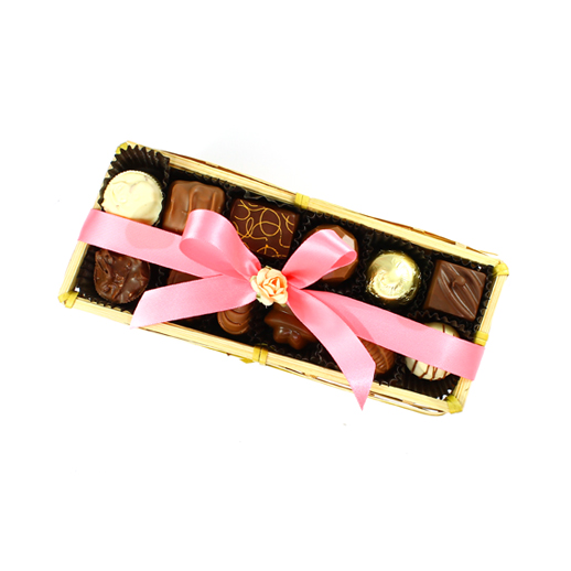 Canasta rellena con truffles y bombones de chocolate (Canasta rectangular)